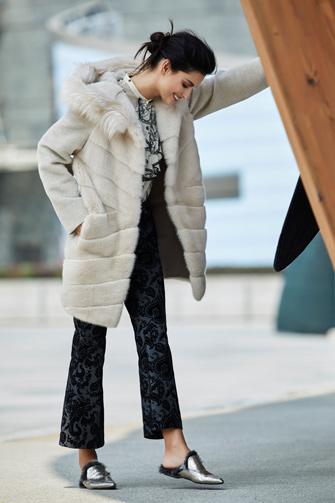 3152b2c06d302 Fur hooded jacket