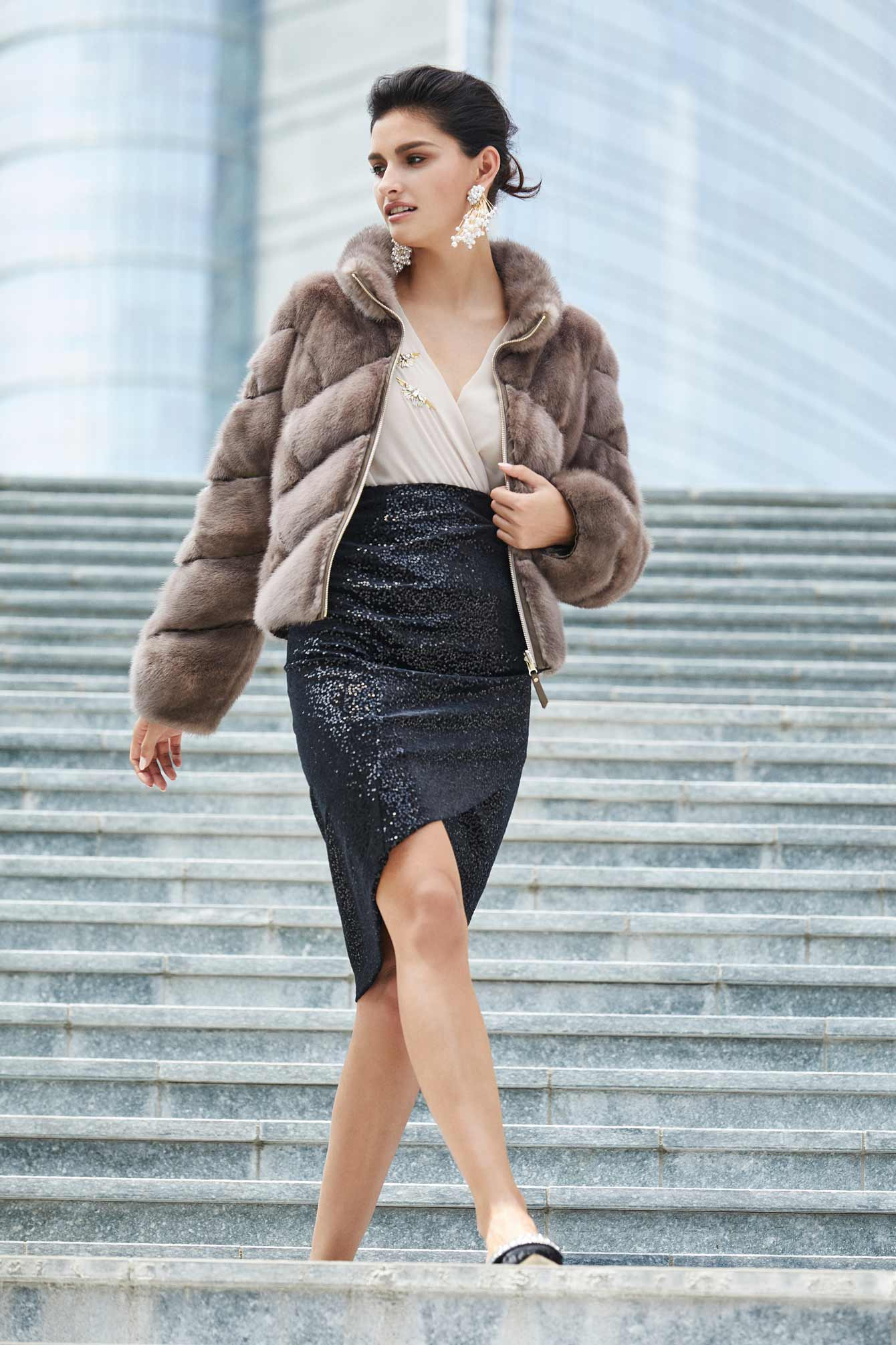 Short mink jacket. Italian fur coats.